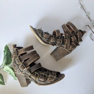Free People Canton distressed buckle sandals sz 36